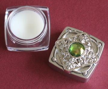 ダイソーの練り香水:ハピネスフェアリー